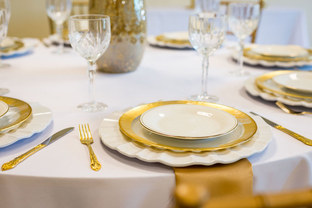Pretty in Gold - an elegant wedding tablescape / designed by Monika Michelle Events / North Carolina Weddings and Events Planner / see more on www.BrendasWeddingBlog.com