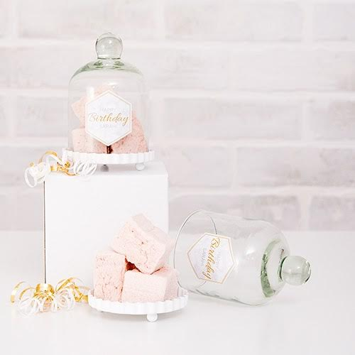 Bell Jar Wedding Favors are a popular way to display your wedding, bridal shower or garden party favors. Even makes a pretty place setting filled with a sweet treat for the wedding guest such as cupcakes, bon bons or candies. Available from Madeline's Weddings - as seen on www.BrendasWeddingBlog.com