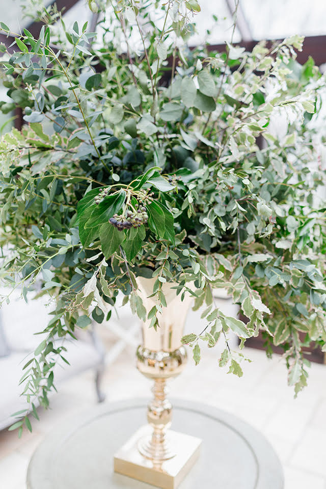 uk-greenery-wedding-centerpiece-lily-lavender-events.jpg