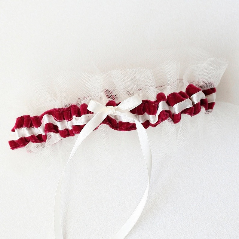 wedding-garter-color-red.jpg