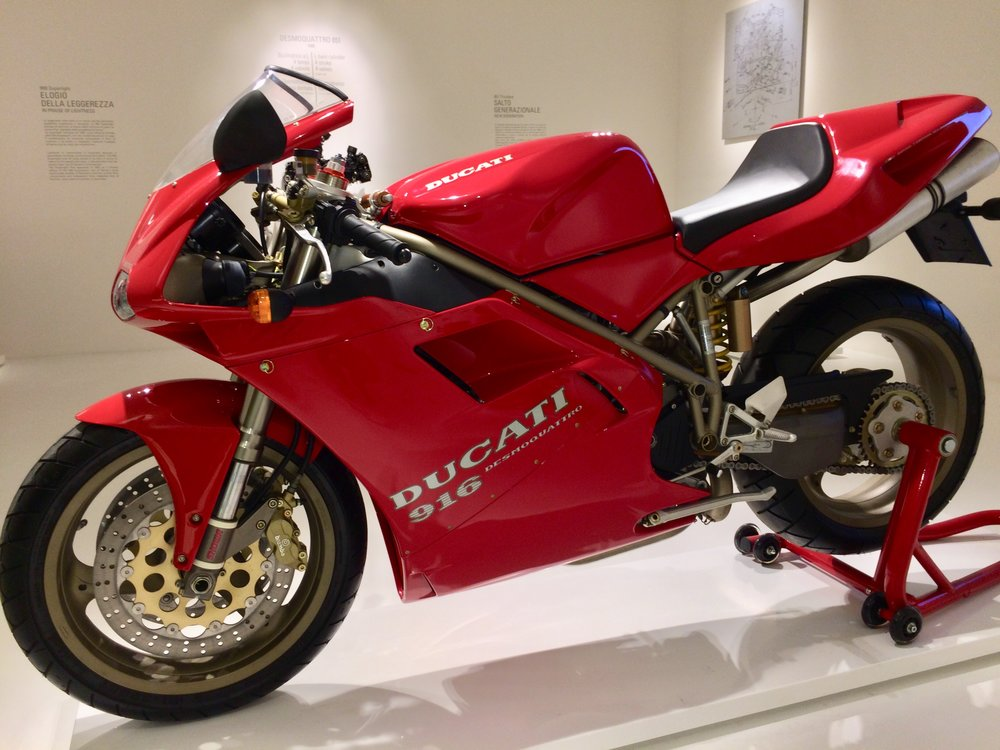 Ducati 916 - from 1992 & still a machine of beauty.