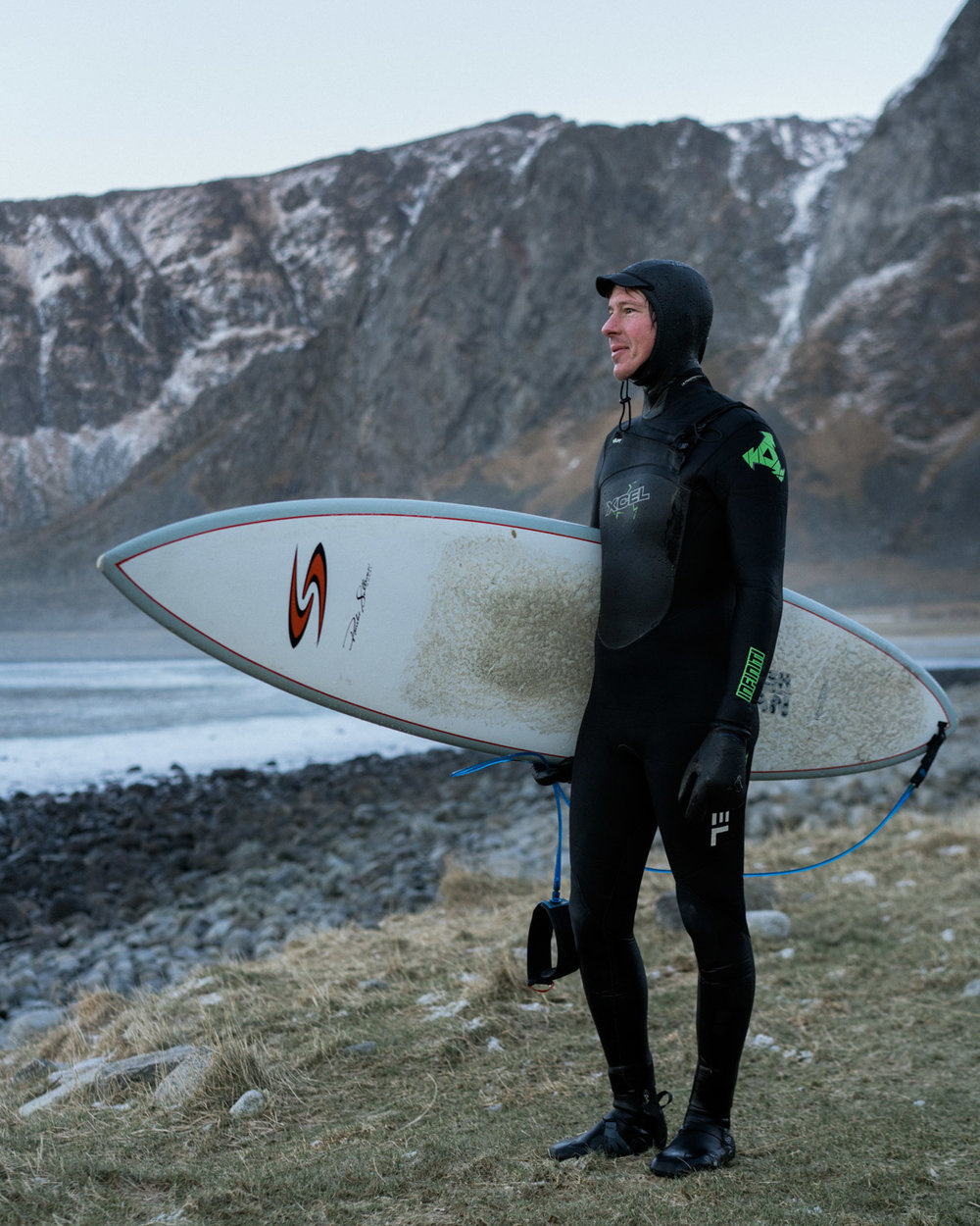 niklas roiha came all the way from Helsinki for a few days on the Lofoten to catch its best waves