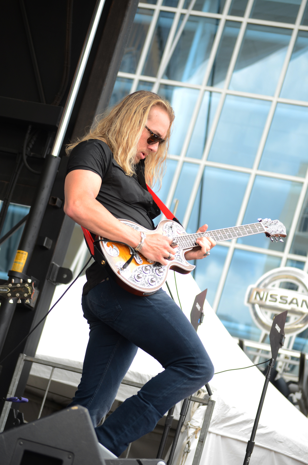 Tucker playing with Marshall Tucker Band for CMAs 2015 Photo by Music Binge Photography