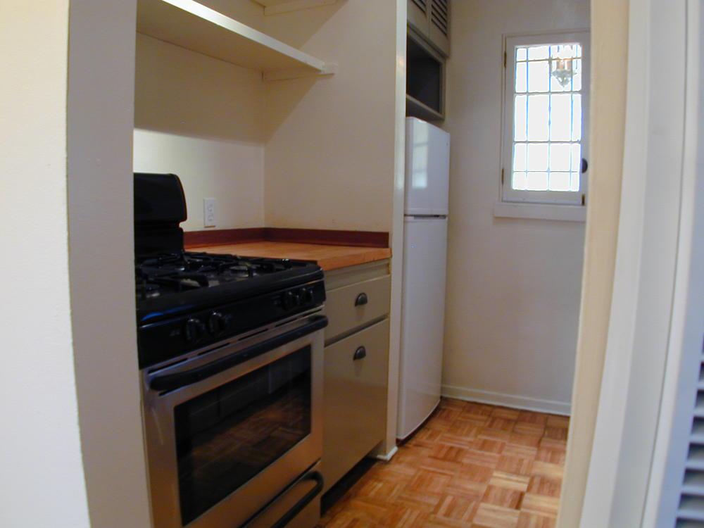 Kitchen has Stove, Fridge and Dishwasher!