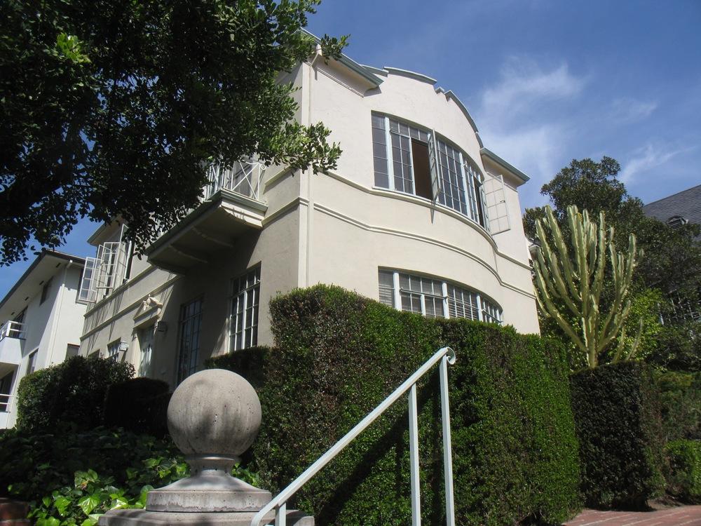 > 1950.5 North Kenmore Av, Los Feliz, upper front @ $2,595