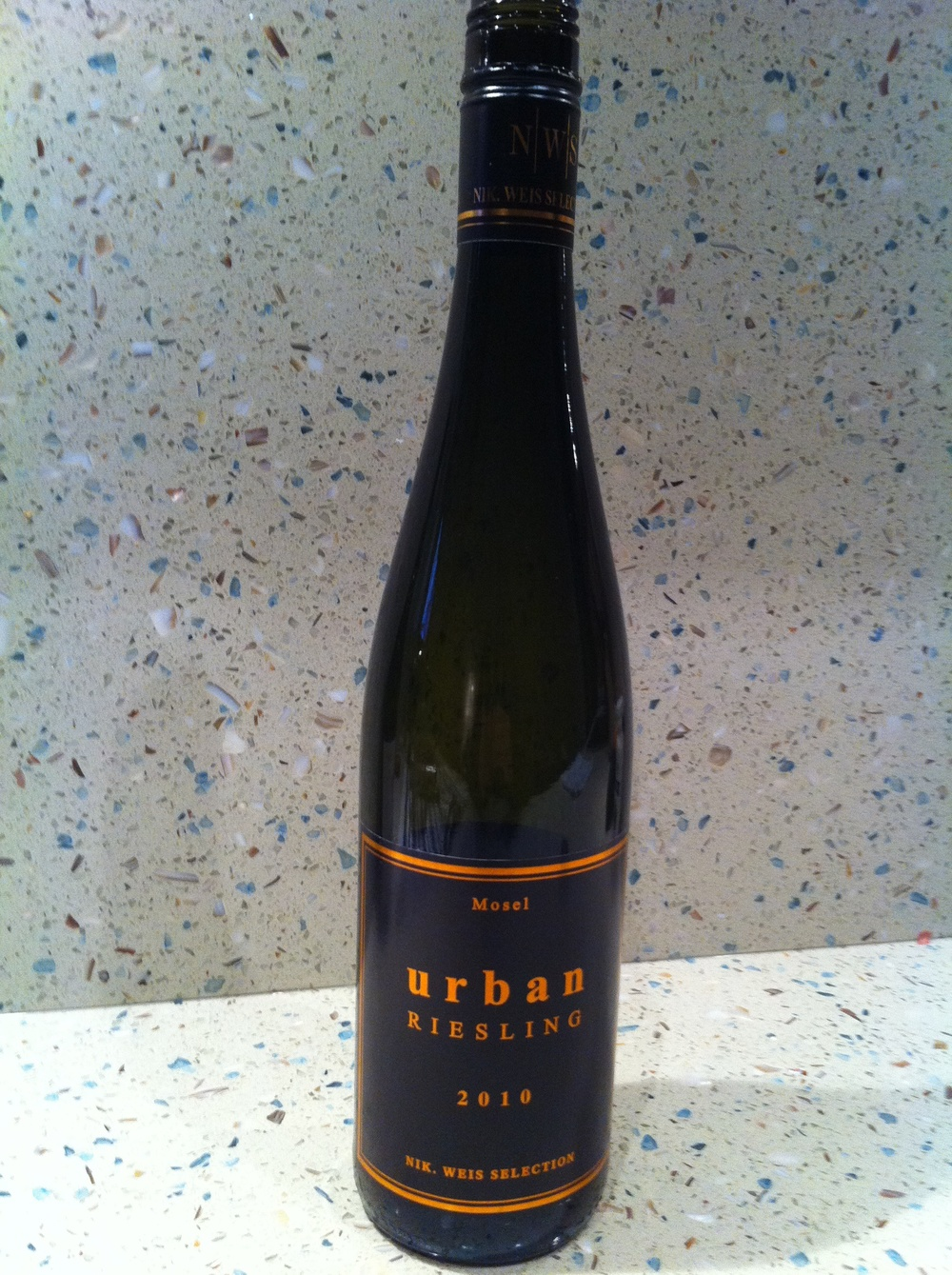 Urban_Riesling_2010_Bottle.jpg