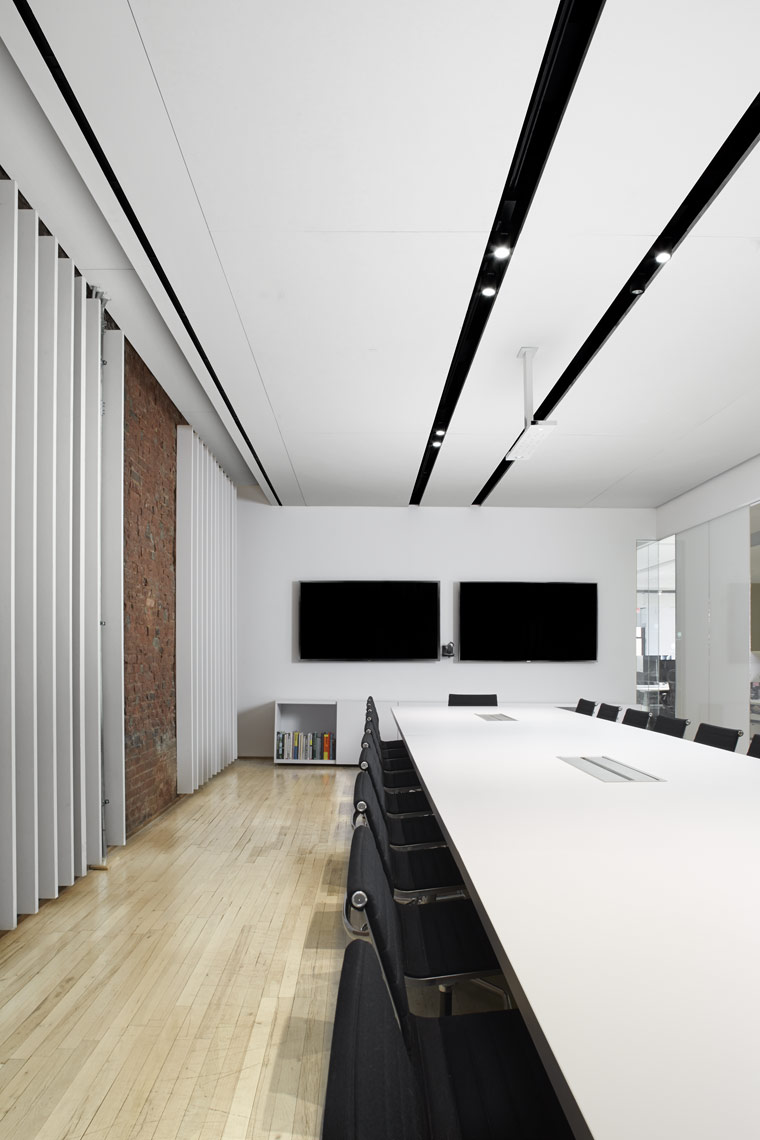 Square 04_3rd-Floor-LG-Conference-Room.jpg