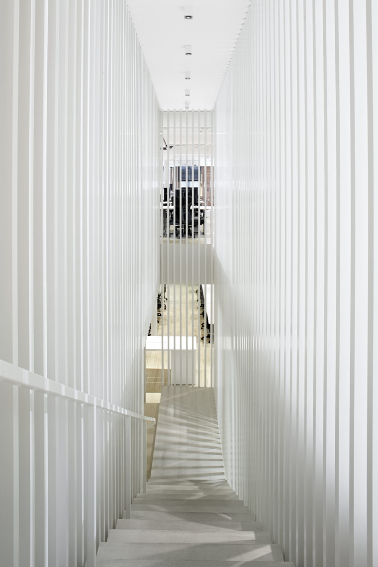 Square 09_Staircase-Top.jpg