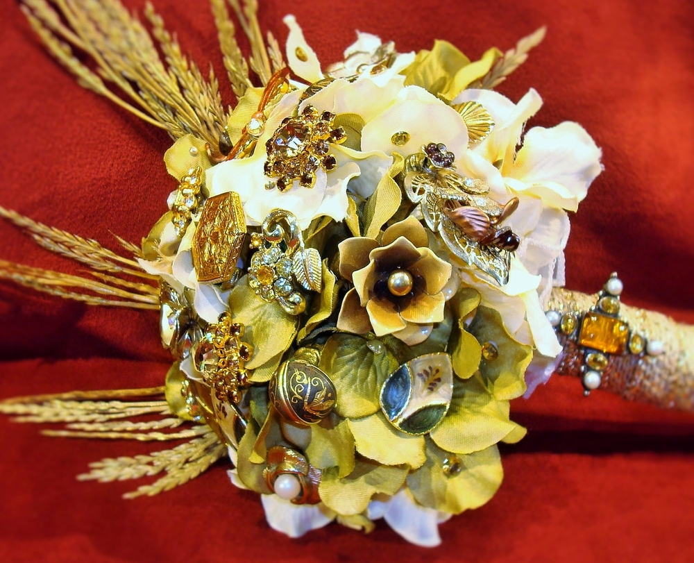 Beautiful custom brooch bouquets