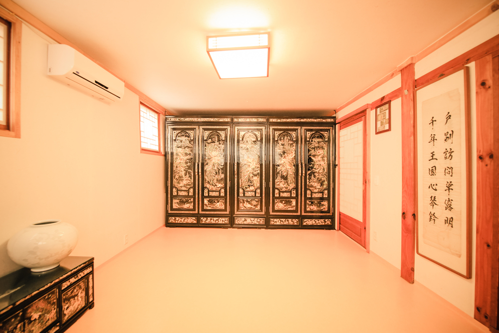 famliy room 103 IMG_1372.jpg