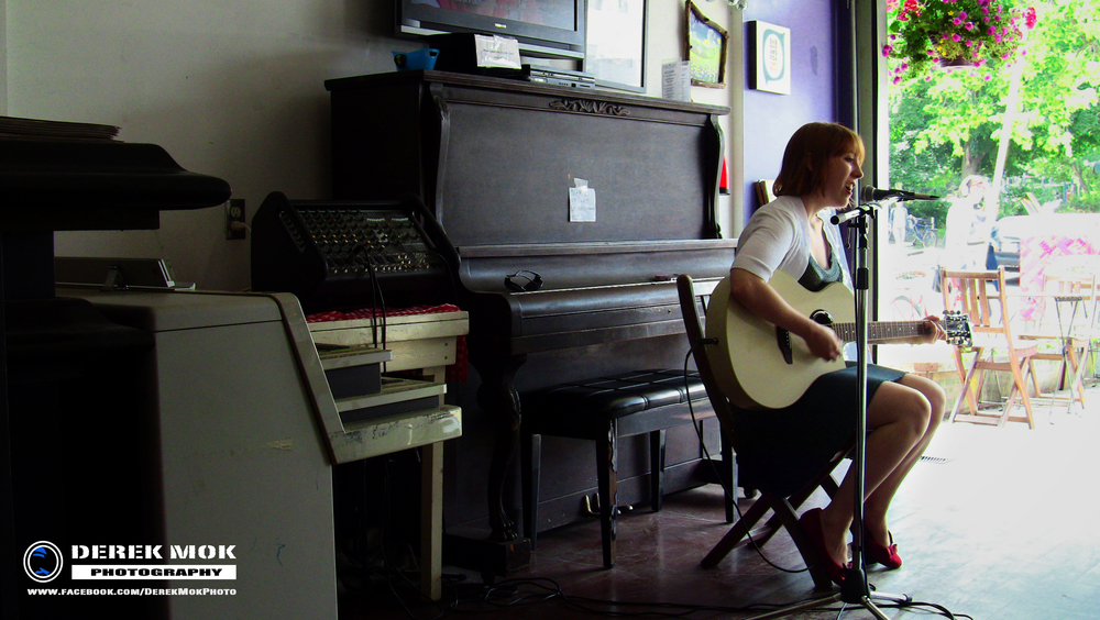 Performance at Aspetta Cafe