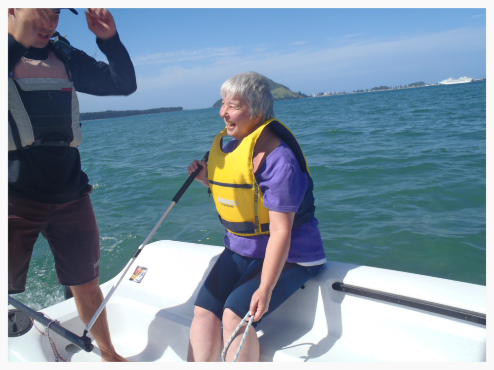 Adults learn to sail