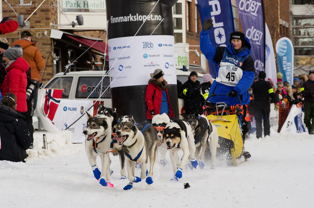 From before and during the start of Finnmarksløpet 2011