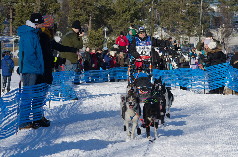 John Øivind Selmer starting Finnmarksløpet 2012 - 500 km