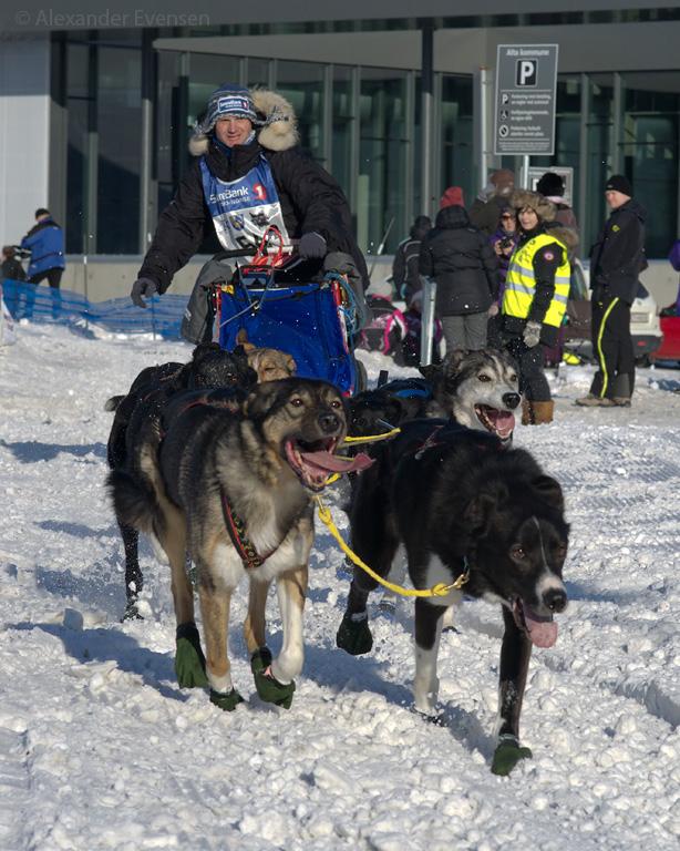 Gerhard Hirz starting Finnmarksløpet 2012 - 500 km