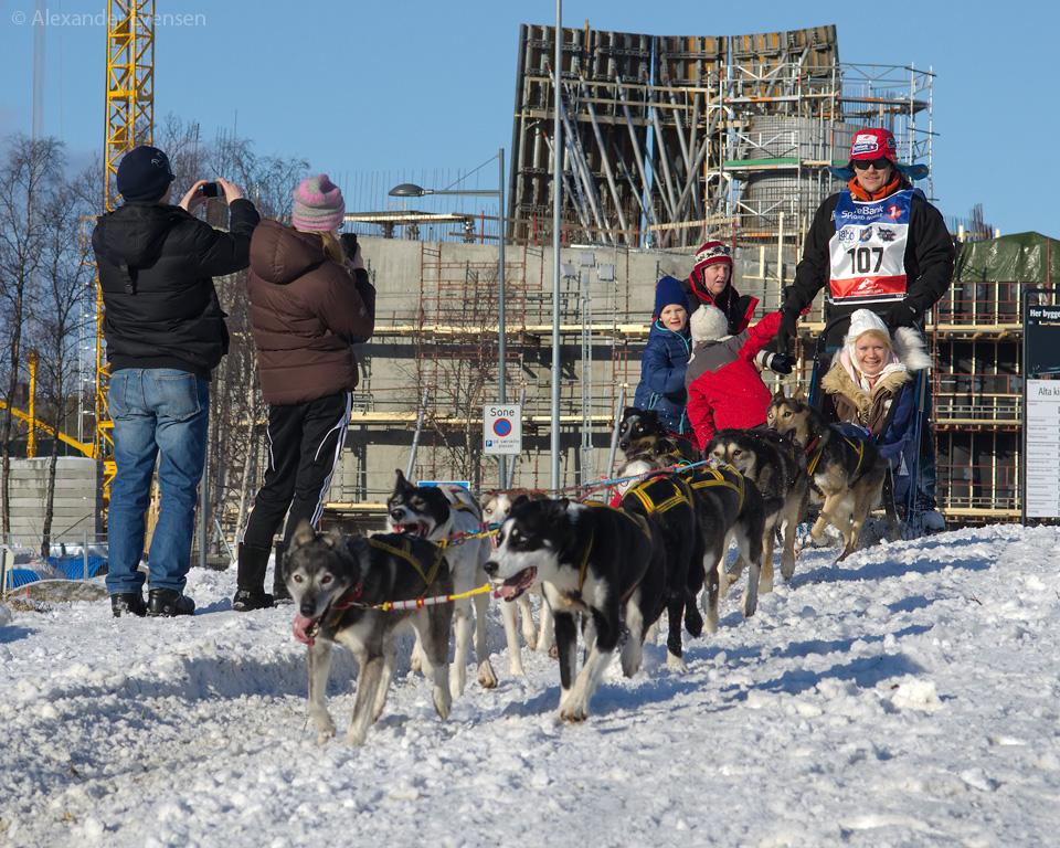 Lars Monsen starting Finnmarksløpet 2012 - 1000 km