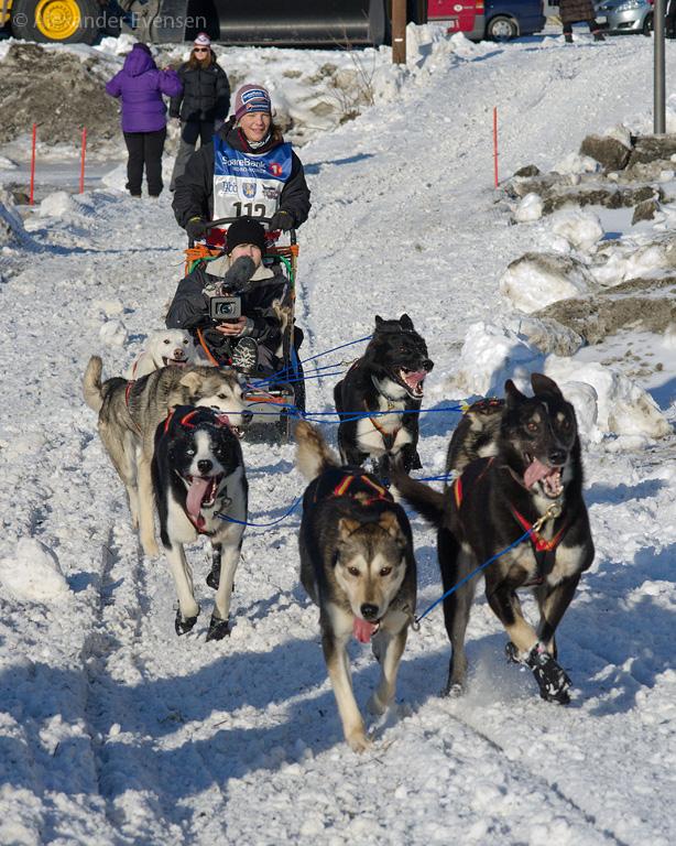 Stine Berget Nordvik starting Finnmarksløpet 2012 - 1000 km