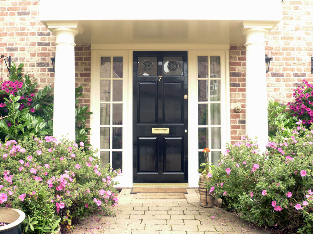 Black-front-door-No7.jpg