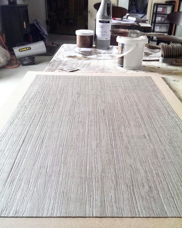 Textures, colours, testing and wood grains... we love to think outside of the box when asked for a particular finish for a surface. Give us a challenge and we will do everything to fulfil it!