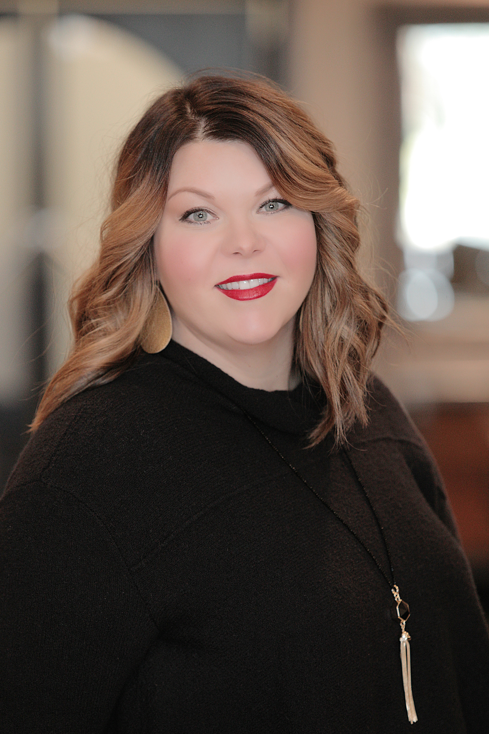 Jesi Hartley Jesi loves to create masterpieces with hair. Painting hair and carving a beautiful fringe are her specialties. She's always here to listen to specific needs and educate you on how to look your best. Let her polish your look to perfection.