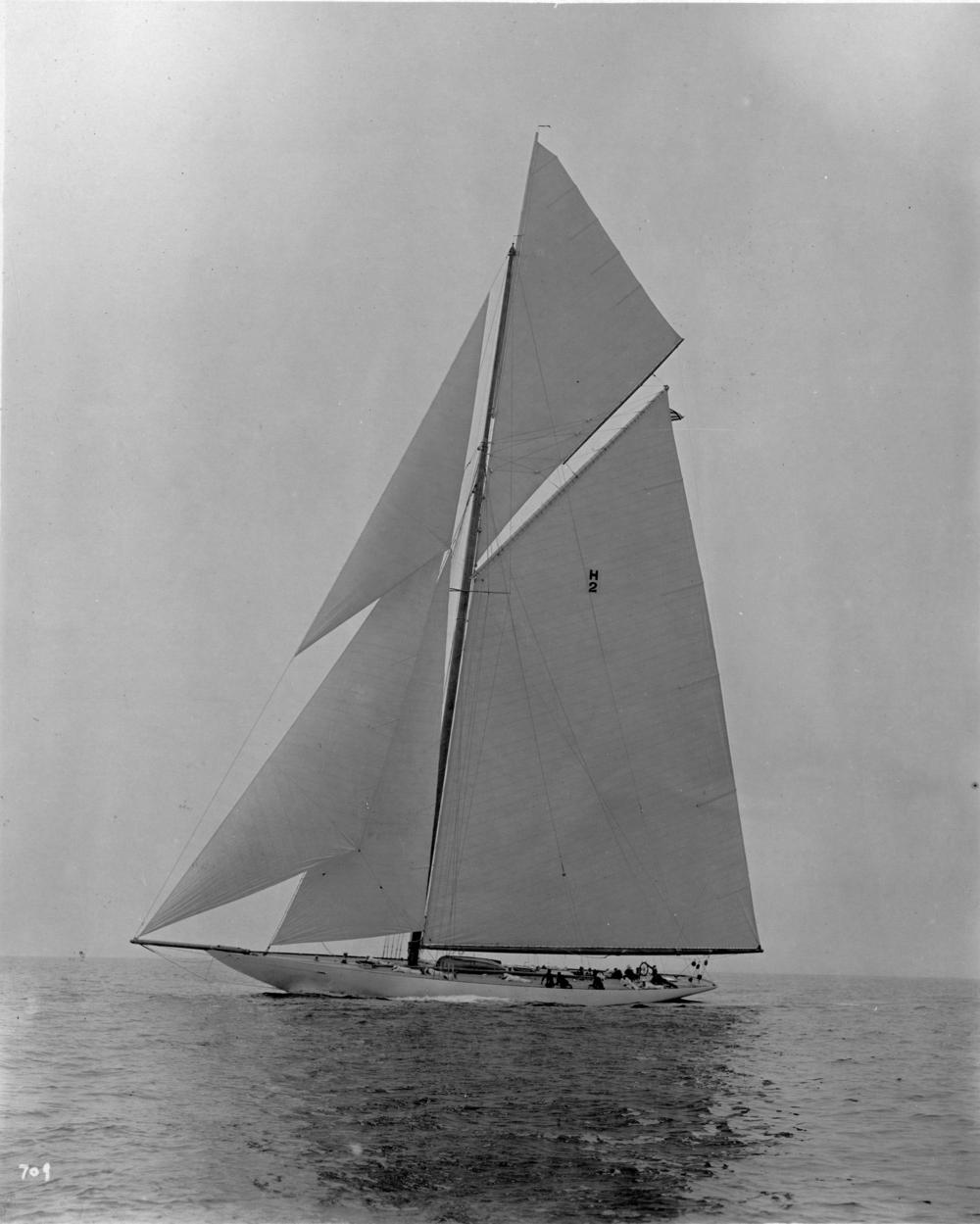 Resolute , N. G. Herreshoff's final America's winning design of 1920.