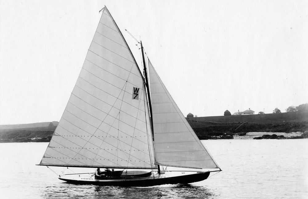 Newport 30  Asahi .