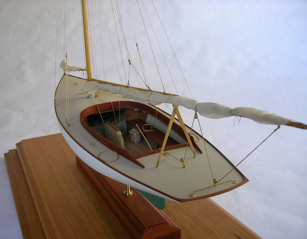 A spectacular model of the Buzzards Bay 15, HMCo # 503 of 1898. Image courtesy of the builder, Rob Wadleigh.
