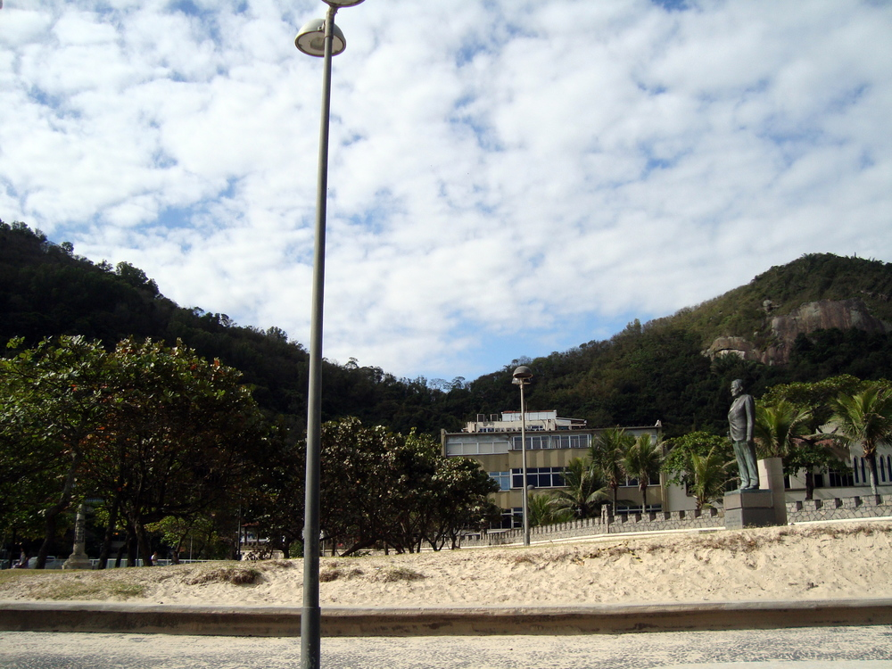 Praça do Leme, no final da praia de Copacabana