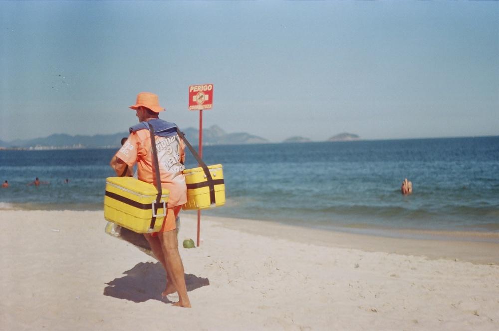 Vendedor da  Praia de Copacabana