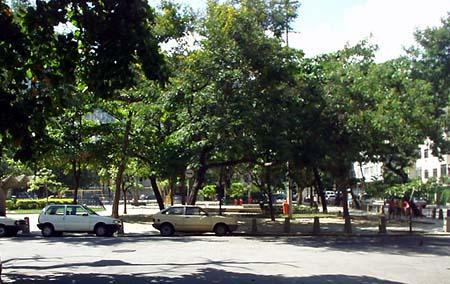 Todas as quartas-feiras acontece a feira-livre na Praça do Bairro Peixoto
