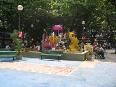 Praça Serzedelo Correia em Copacabana, Rio de Janeiro