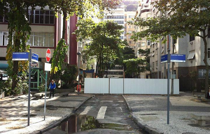 Rua Aurelino Leal, no Leme, final da praia de Copacabana, Rio de Janeiro