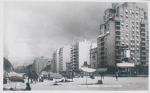 Rua Ronald de Carvalho esquina com Avenida Atlântica