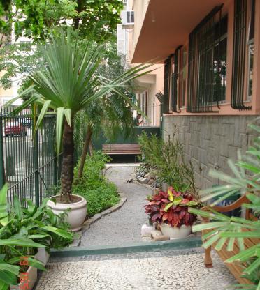Rua Tenente Marones de Gusmão, no Bairro Peixo em Copacabana