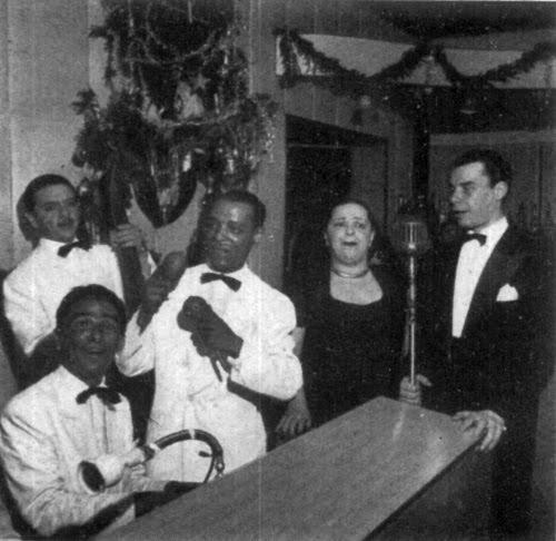 O Vogue foi a casa das estrelas dos anos 1940 e 50: - Dolores Duranque começou sua carreira no Vogue em 1946,Aracy de Almeida se apresentou em espetáculos noturnos entre 1948 e 1952,Linda Batista, que foi uma das contratadas entre 1947 e 1952, sem deixar de citar Ângela Maria, Sílvio Caldas, Jorge Goulart, Inesita Barroso.