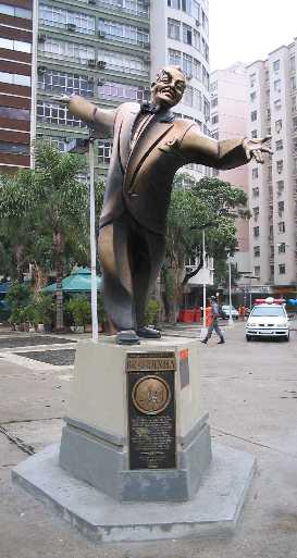 Estátua de Braguinha em Copacabana