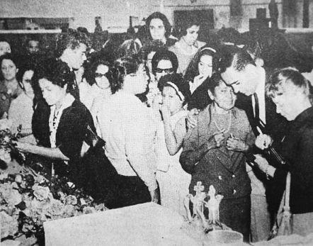 O enterro de Dolores Duran