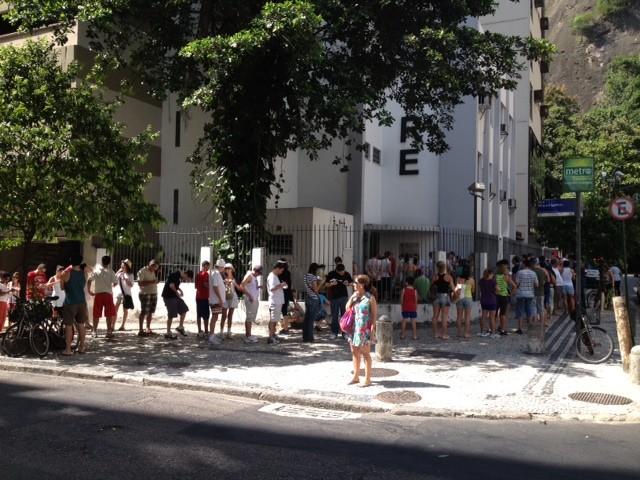 Longas filas no Cartório Eleitoral em Copacabana no dia da eleição