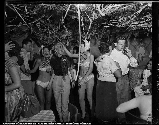 Batalha de confete no Mocambo ano 1954
