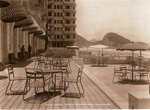 Dia de sol na varanda do Copacabana Palace