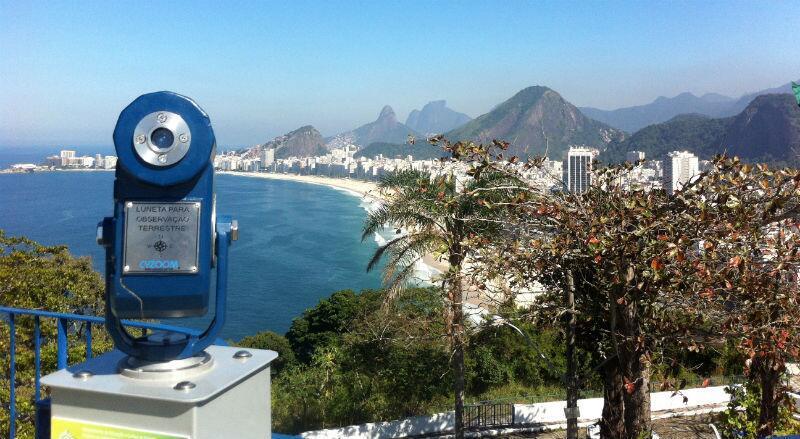 Praia de Copacabana vista do morro do Leme