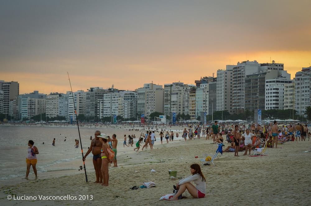 Fim de tarde na Praia de Copacabana, dia 28/12/2013