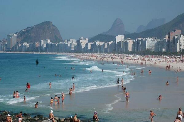 Praia de Copacabana vista da Pedra do Leme