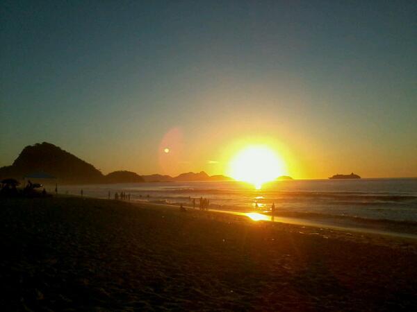 Sol nascendo em Copacabana