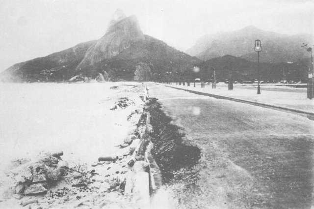 Avenida Delfim Moreira na Praia do Leblon, Rio de Janeiro