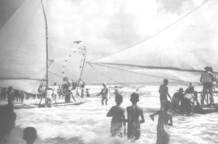 A jangada São Pedro zarpa do Ceará rumo ao Rio deJaneiro