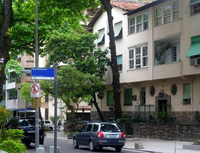 Rua Aníbal de Mendonça esquina com Rua Redentor em Ipanema, Rio de Janeiro