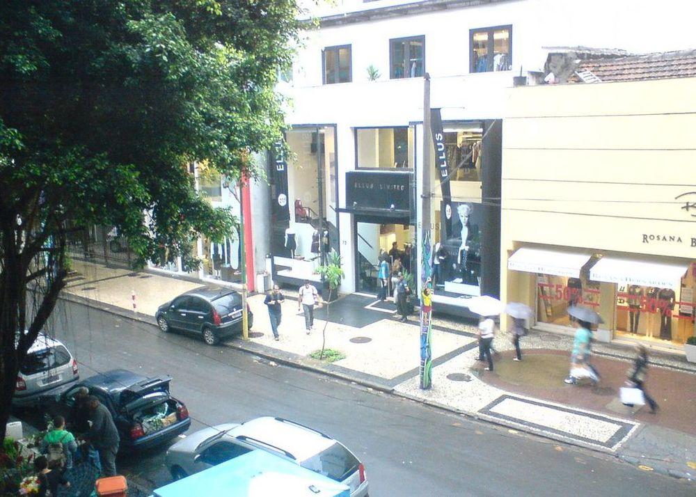 Comércio de alto luxo na Rua Garcia Dávila em Ipanema, Rio de Janeiro