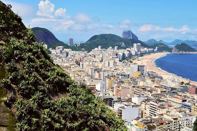 Copacabana vista de morro carioca