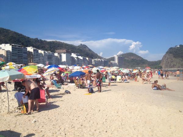 Praia de Copacabana tranquila